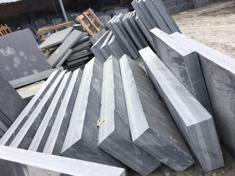 青石板鋪地石