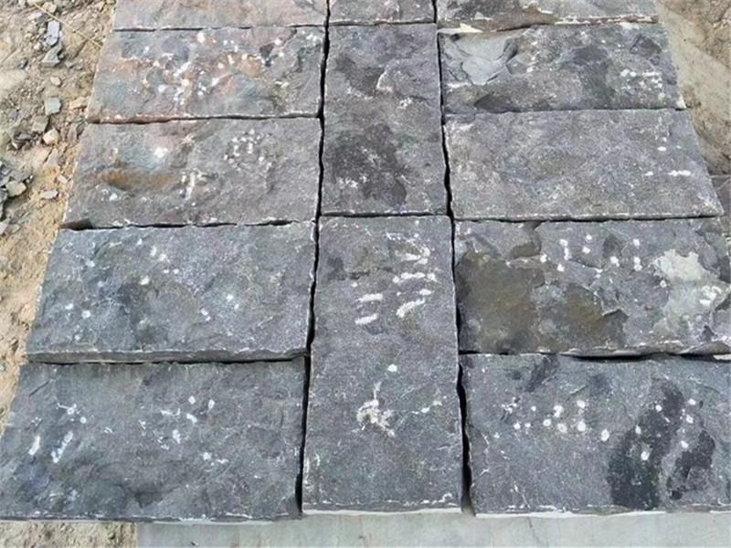 60厚青石板蘑菇石