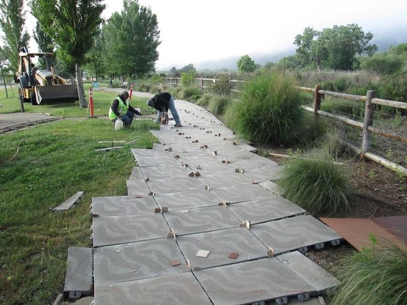 城市人行道青石板鋪貼施工方法